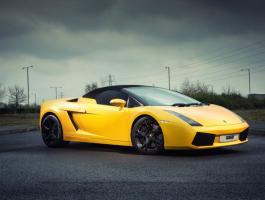Lamborghini Gallardo in for crash repair at Haynes International Motor Museum (Before the crash)